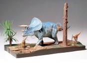 Tamiya 60104 1/35 Diorama dinozaur triceratops - foto 1