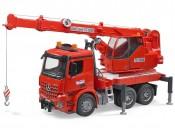 MB Arocs czerwony z dźwigiem i modułem świetlno-dźwiękowym
