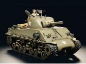 Tamiya 56014 Czołg M4 Sherman 105 p/opcja - foto 1
