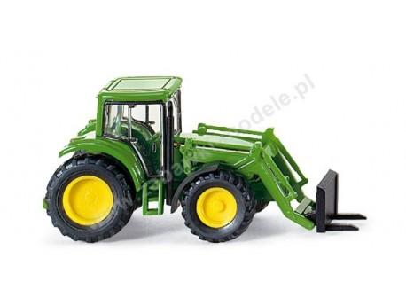 Traktor John Deere 6920 S z ładowarką czołową widlakową